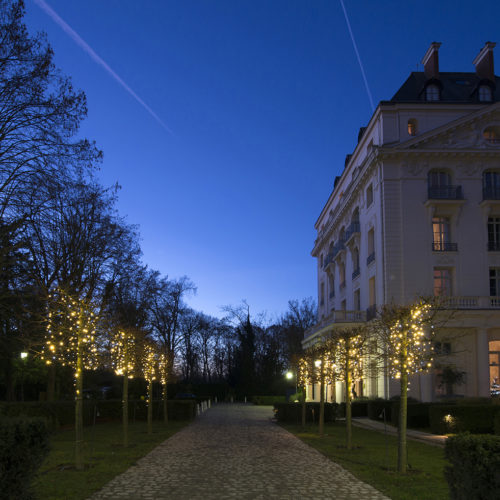 32. Trianon Palace Versailles, A Waldorf Astoria Hotel - Evening lights