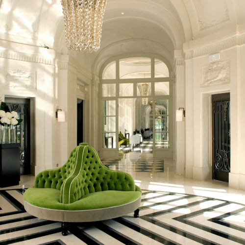 7.Trianon Palace Versailles, A Waldorf Astoria Hotel - Lobby